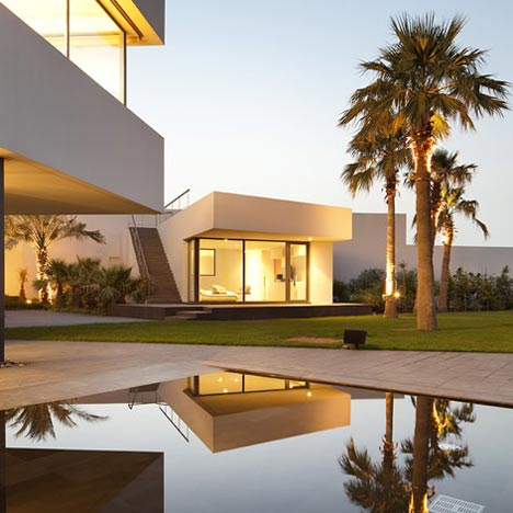 Exceptional Star House By AGi Architects Idea