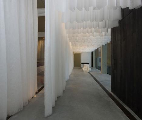 Art Gallery Showroom by Antonio Ravalli Architetti