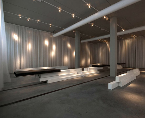 Art Gallery Showroom by Antonio Ravalli Architetti