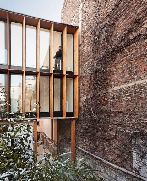 Heliotrope Raising by Bang Architectes