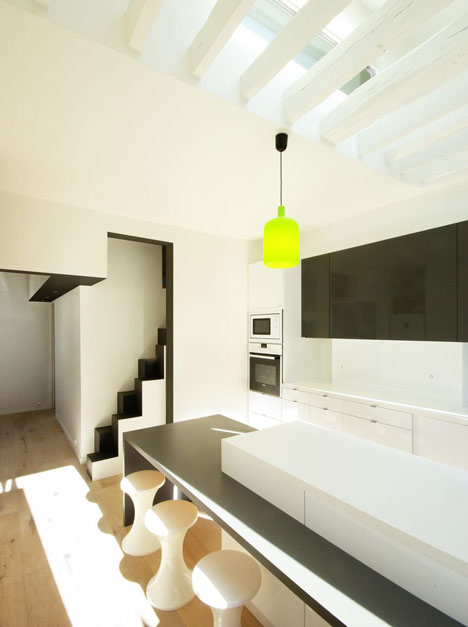 Paris apartment by MAAJ Architectes