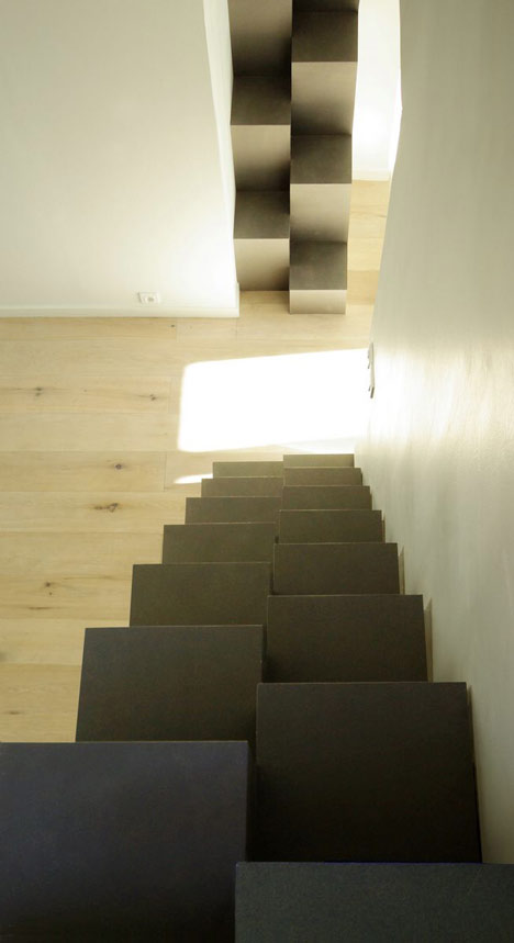 Paris apartment by MAAJ Architectes