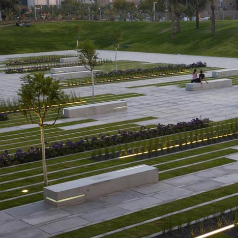 BGU University Entrance Square and Art Gallery by Chyutin Architects