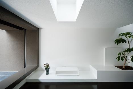 Gable House by FORM Kouichi Kimura Architects