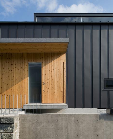 House in Kobe by Keiichi Sugiyama Architect
