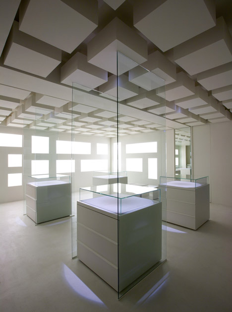 Gallery Space Design by Betwin Space Design