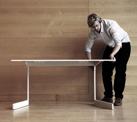 OLA Table by AKKA