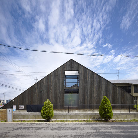 Ogaki House by Katsutoshi Sasaki + Associates