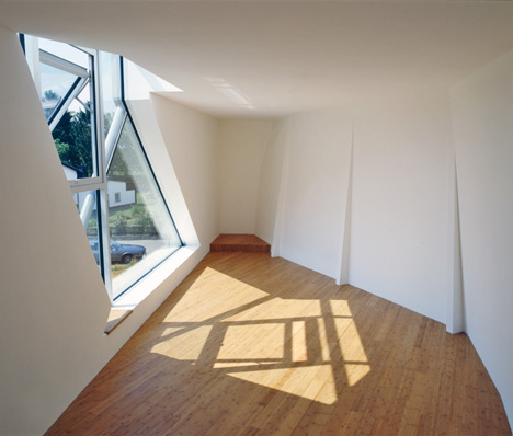 Single Family House St Joseph by Wolfgang Tschapeller Architekt