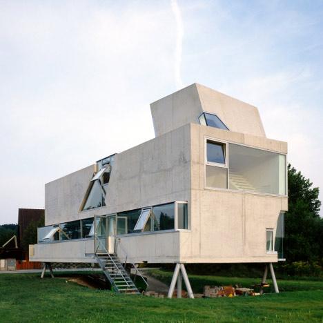 Single Family House St Joseph by Wolfgang Tschapeller Architekt