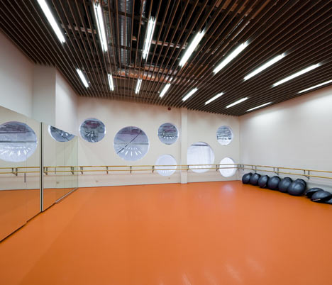Sports Hall by Salto Architects