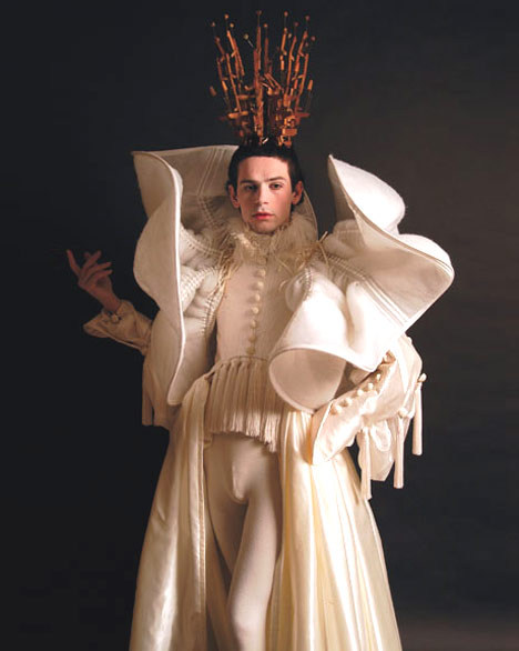 Costumes by Gwen van den Eijnde