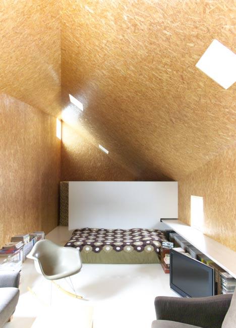 Duplex House in Tokito by Hidehiro Fukuda Architects
