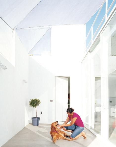 Nunez House by Adamo-Faiden