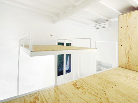 Apartment in El Born by Arquitectura-G