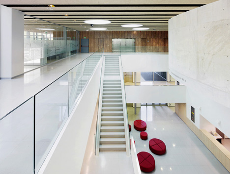Faculty of Business studies of Mondragon University by Hoz Fontan Arquitectos