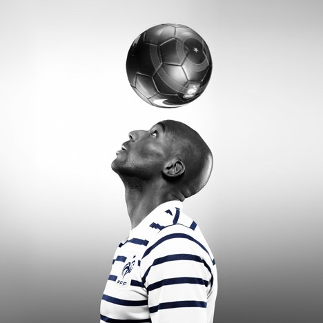 http://static.dezeen.com/uploads/2011/03/dzn_France-away-kit-by-Nike-1.jpg