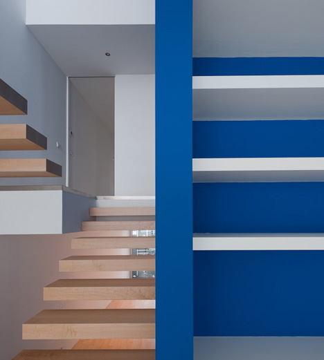House 77 by dIONISO LAB