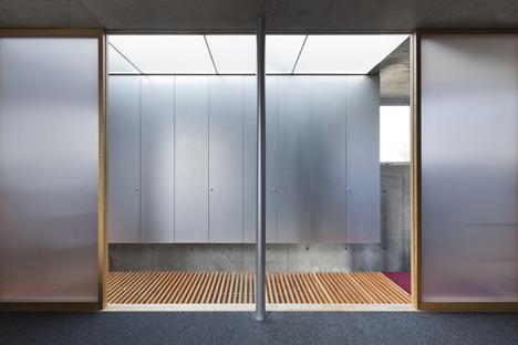 House in Kohgo by Yutaka Yoshida Architect and Associates