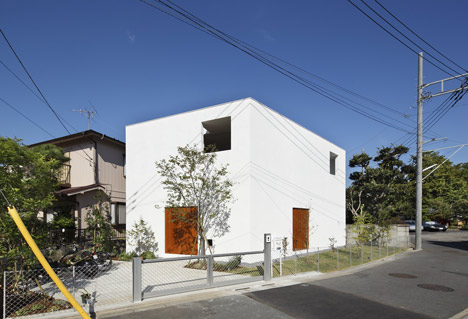 Inside Out by Takeshi Hosaka Architects