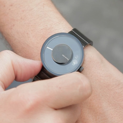 Dezeen Screen VUE watch by Yves Behar for Issey Miyake