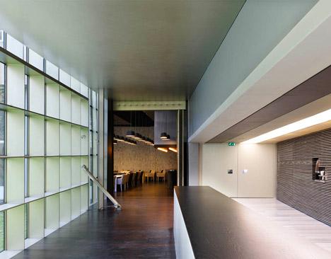 KIVI NIRIA Foyer by AAArchitects