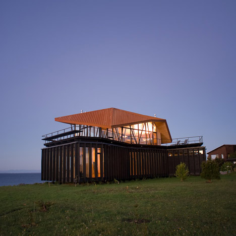 House At Punta Chilen by dRN Architects