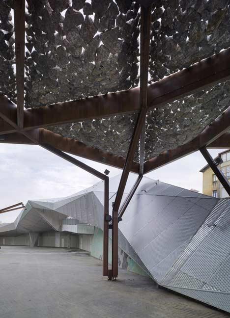 Pormetxeta Square by MTM Arquitectos