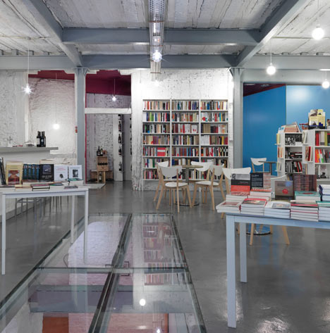 Book-and-Coffeshop-in-Madrid-by-MYCC