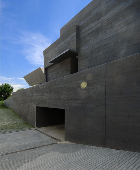 Concrete House II by A-Cero
