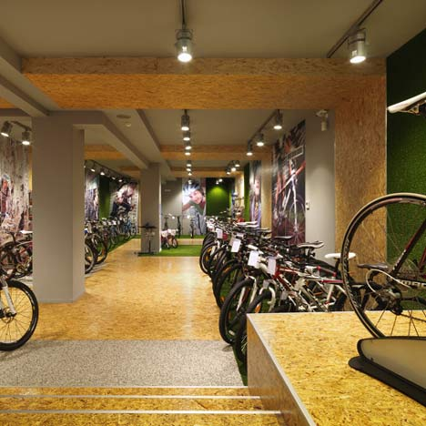 dezeen_Cyclist-Shop-by-React-Architects-top1