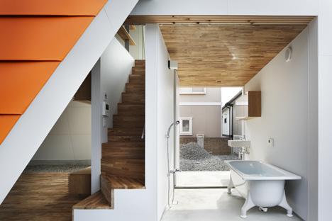 House of Wakayama by Yoshio Oono Architect & Associates