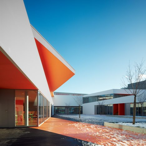 La Courneuve by Dominique Coulon & Associés