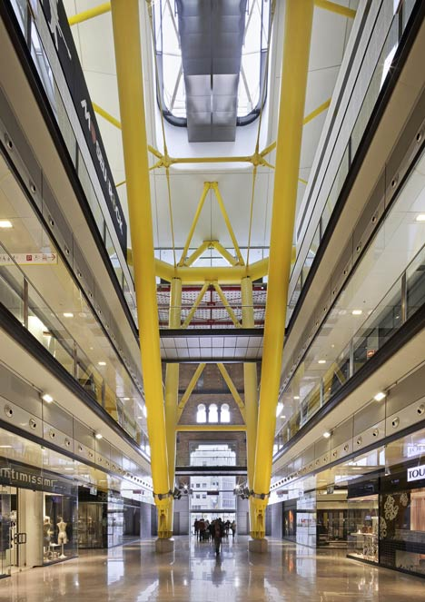 Las Arenas by Rogers Stirk Harbour + Partners