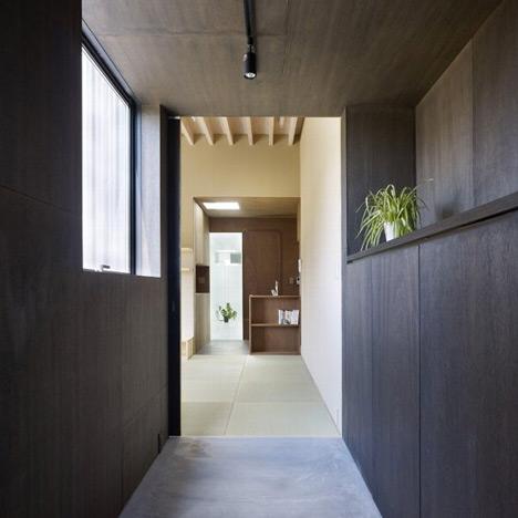 Small House by Katsutoshi Sasaki + Associates
