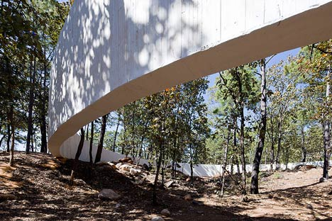 Sanctuary Circle by Dellekamp Arquitectos and Periférica