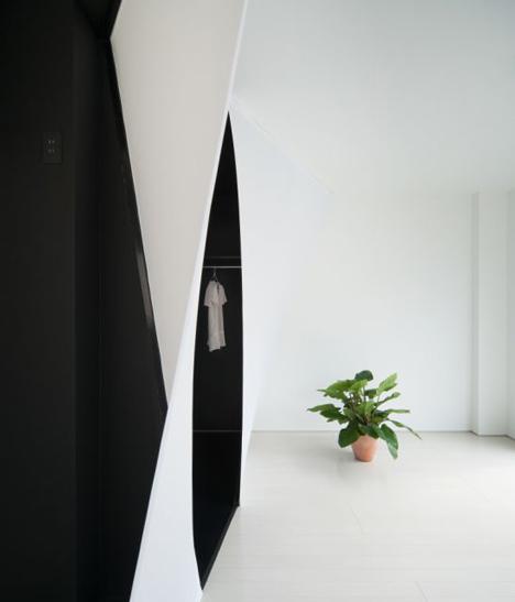 Cell + wood/fabric by Sugawaradaisuke