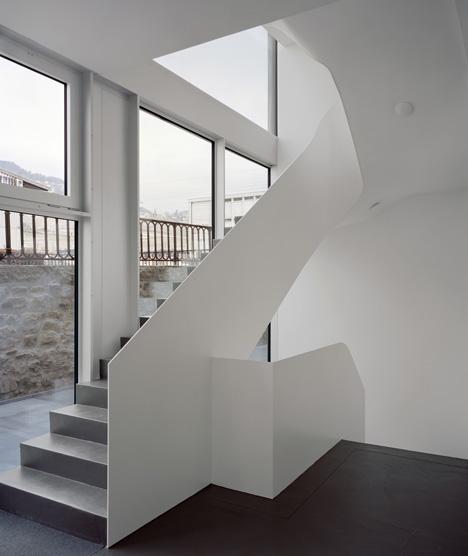 ECA-OAI Office Building by Personeni Raffaele Scharer Architects
