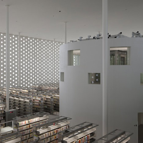 Kanazawa Umimirai Library by Coelacanth K&H Architects