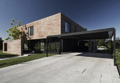 MYP House by Estudio BaBO