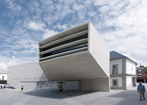New Cultural Centre by Fundc