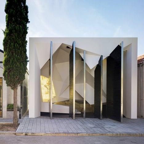 Panteon Nube by Clavel Arquitectos