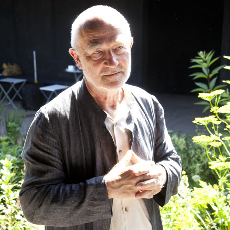 Dezeen Screen: interview with Peter Zumthor at the Serpentine Gallery Pavilion 2011