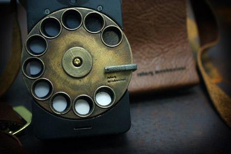 Rotary Mechanical Smartphone by Richard Clarkson