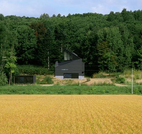 Tohma-House-by-Hiroshi-Horio-Architects