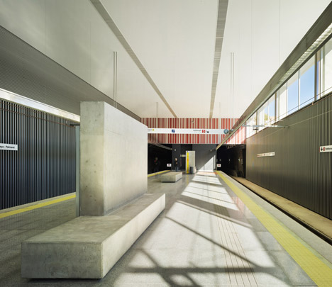 Alboraya-Palmaret metro station by Rstudio