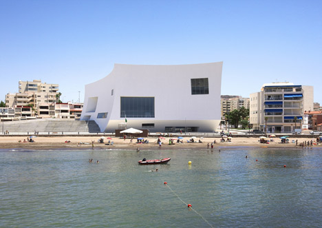 Auditorium and Congress Palace Infanta Doña Elena by Estudio Barozzi Veiga