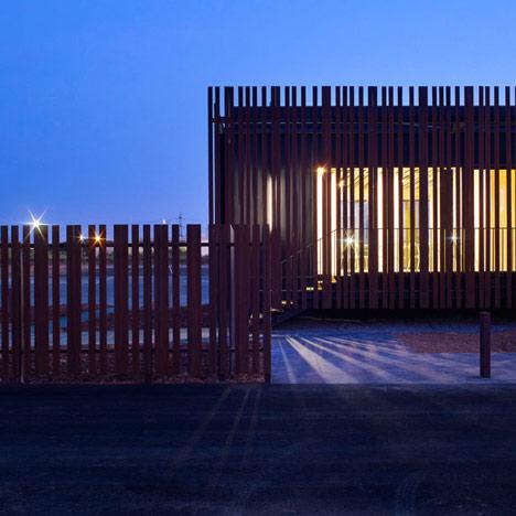 Centre d'Examen du Permis by Samuel Delmas Architectes