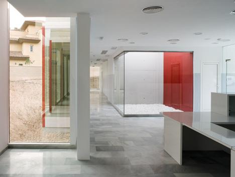 Consultorio en La Envía by Miguel Barahona