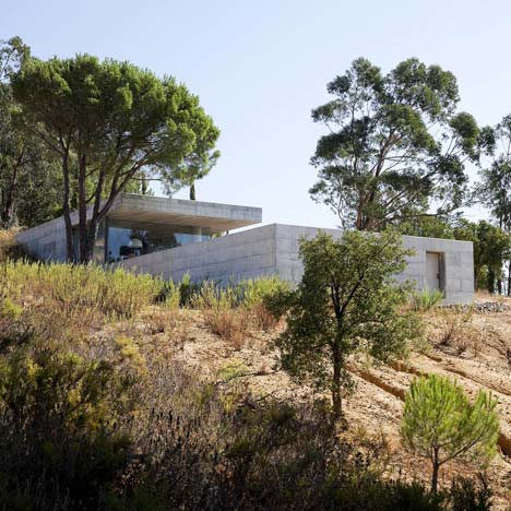 House in Pedrogão by Phyd Arquitectura